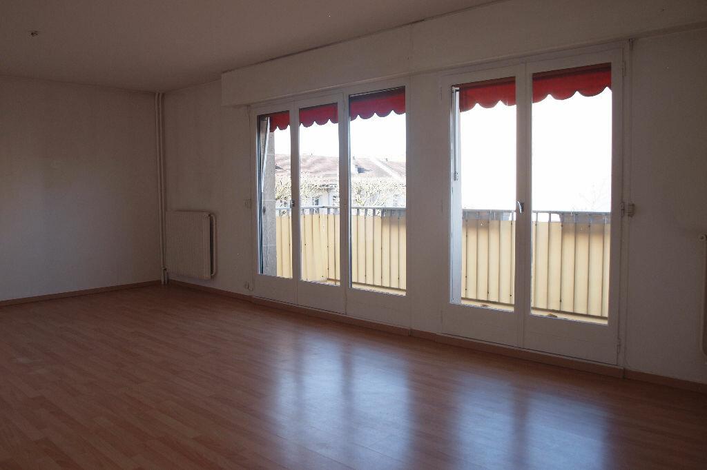 Achat Appartement 5 pièces à Mantes-la-Jolie - vignette-1
