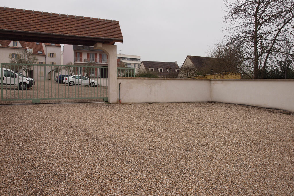 Location Stationnement  à Mantes-la-Ville - vignette-1