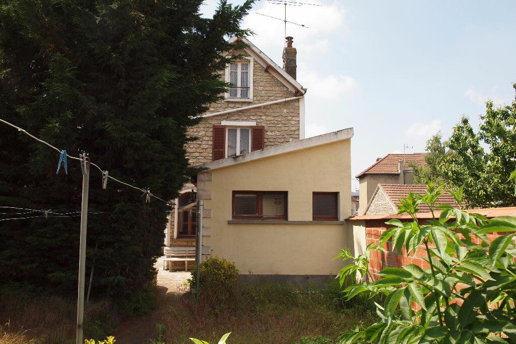 Achat Maison 8 pièces à Mantes-la-Ville - vignette-1