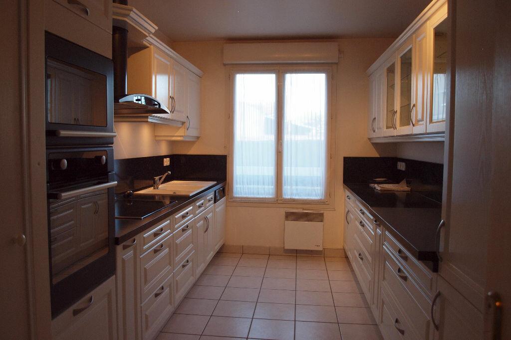 Achat Appartement 4 pièces à Mantes-la-Jolie - vignette-4