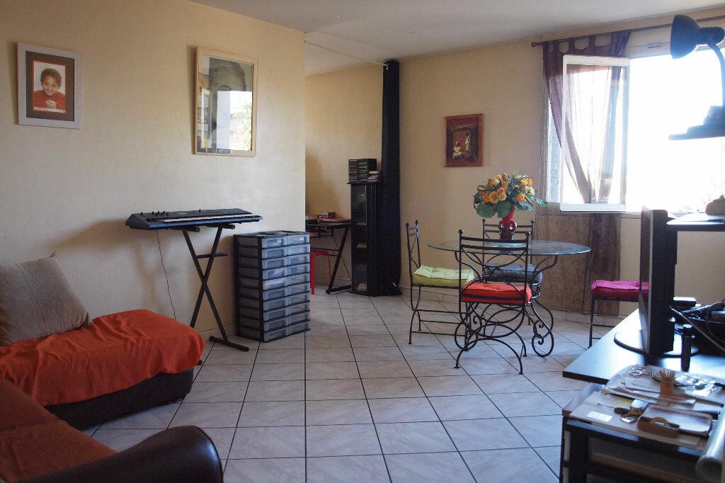 Achat Appartement 4 pièces à Mantes-la-Ville - vignette-2