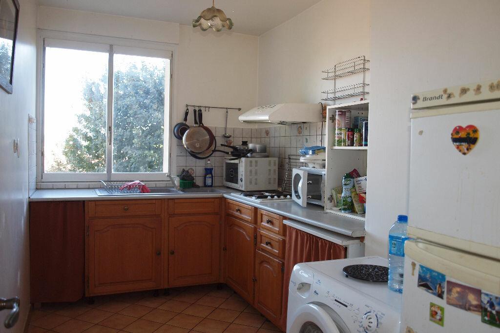 Achat Appartement 4 pièces à Mantes-la-Ville - vignette-3