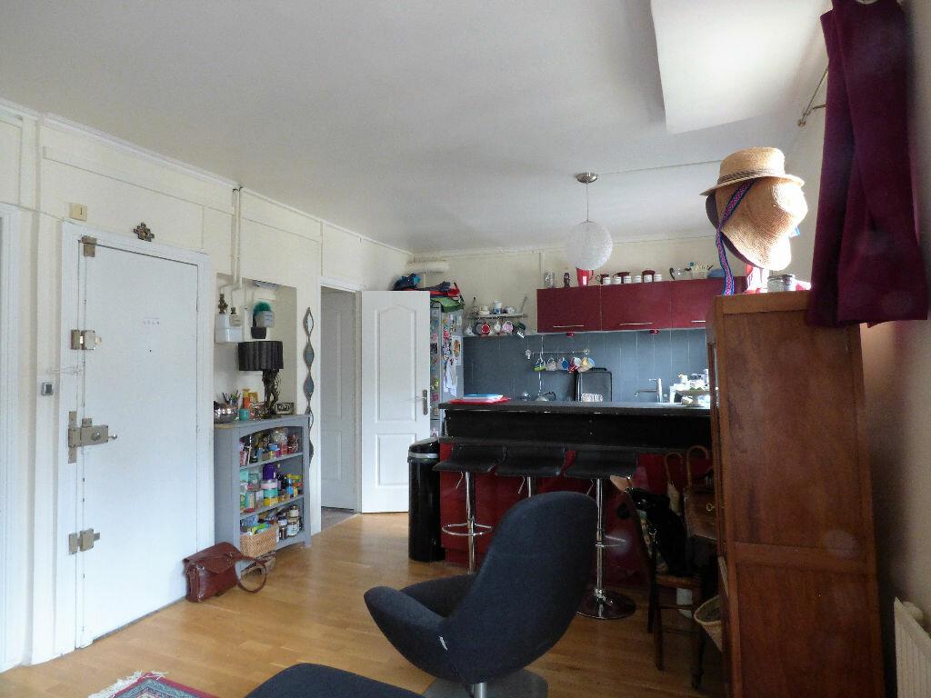 Achat Appartement 4 pièces à Paris 17 - vignette-2