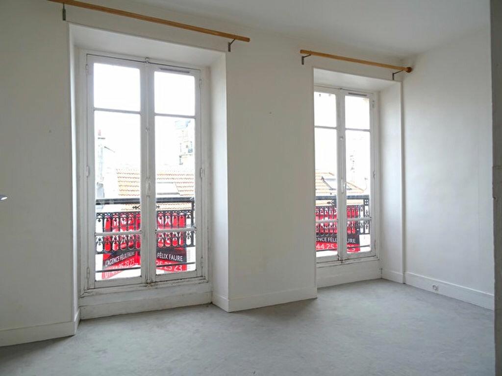 Achat Appartement 2 pièces à Paris 15 - vignette-2
