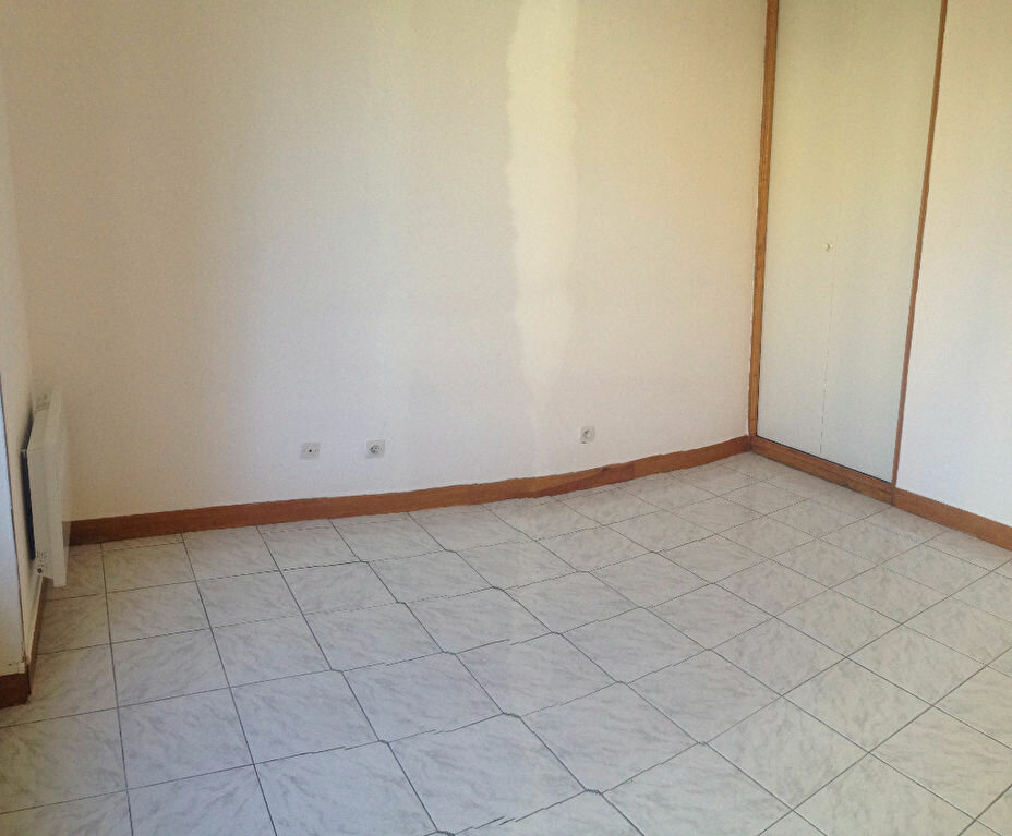 Location Appartement 2 pièces à Gometz-la-Ville - vignette-1