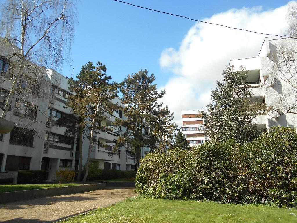 Achat Appartement 5 pièces à Les Ulis - vignette-1