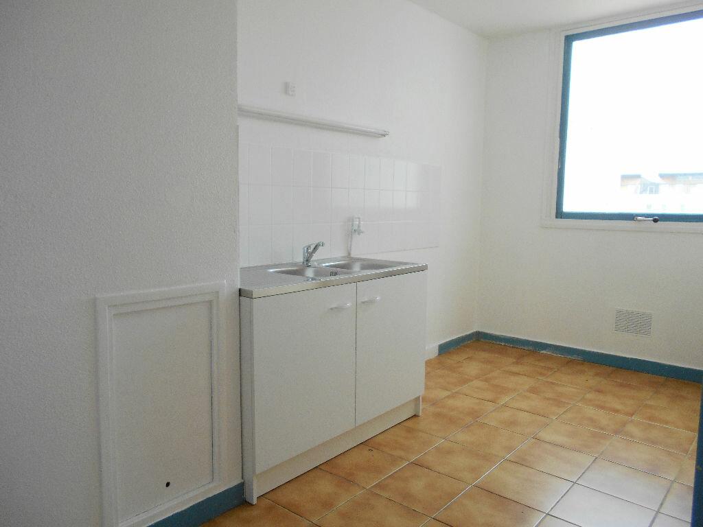 Achat Appartement 4 pièces à Les Ulis - vignette-2