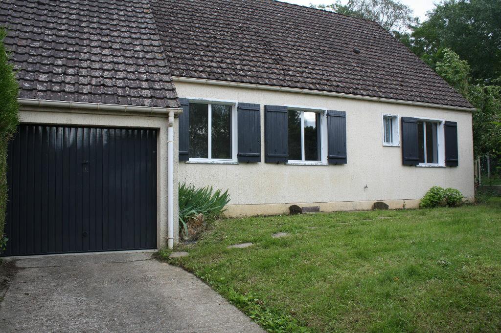 Location Maison 4 pièces à Rebais - vignette-1