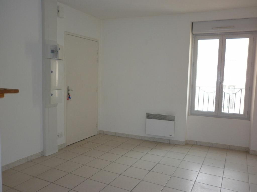 Location Appartement 3 pièces à Amillis - vignette-1