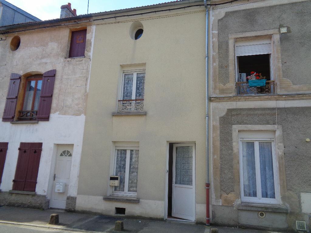 Achat Maison 4 pièces à Villeneuve-sur-Bellot - vignette-1