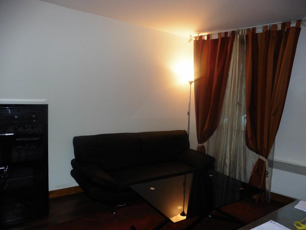 Achat Appartement 2 pièces à Coulommiers - vignette-2