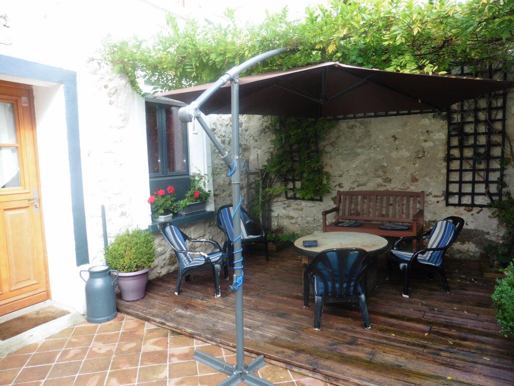 Achat Maison 5 pièces à Jouy-sur-Morin - vignette-2