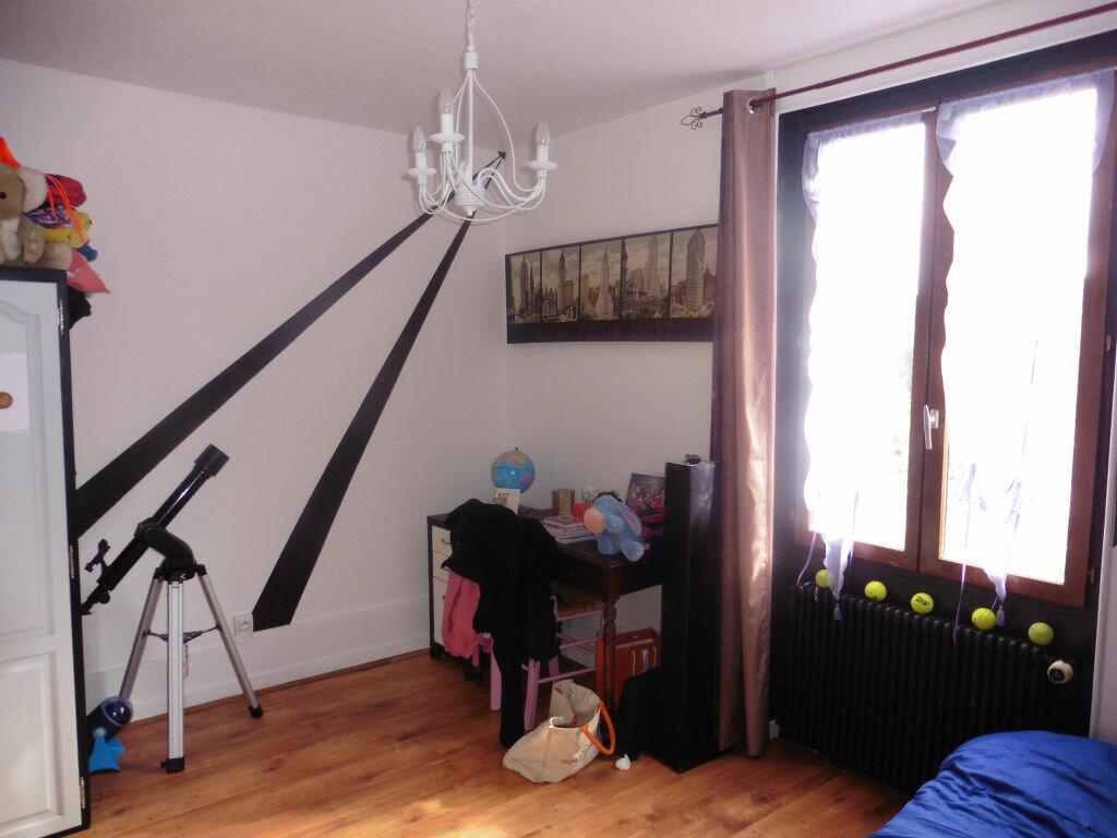 Achat Maison 5 pièces à Jouy-sur-Morin - vignette-6