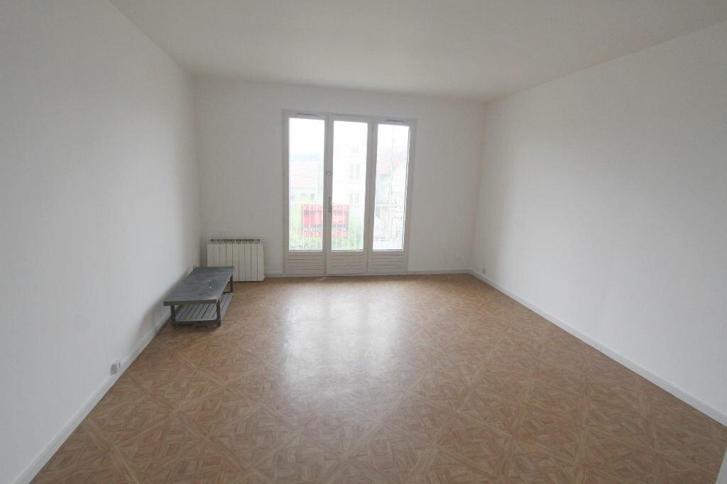 Achat Appartement 1 pièce à Les Mureaux - vignette-1