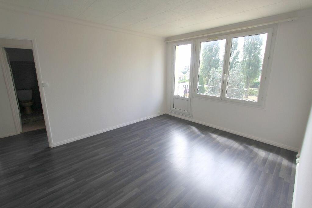 Achat Appartement 2 pièces à Les Mureaux - vignette-2