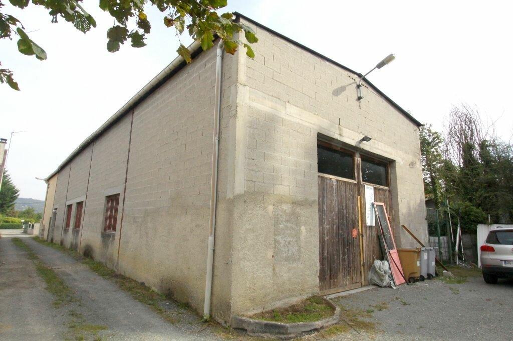 Achat Local commercial  à Les Mureaux - vignette-1