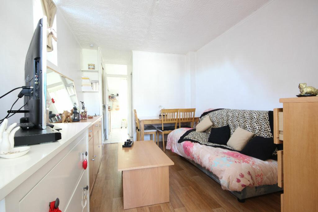 Location Appartement 1 pièce à Viroflay - vignette-1
