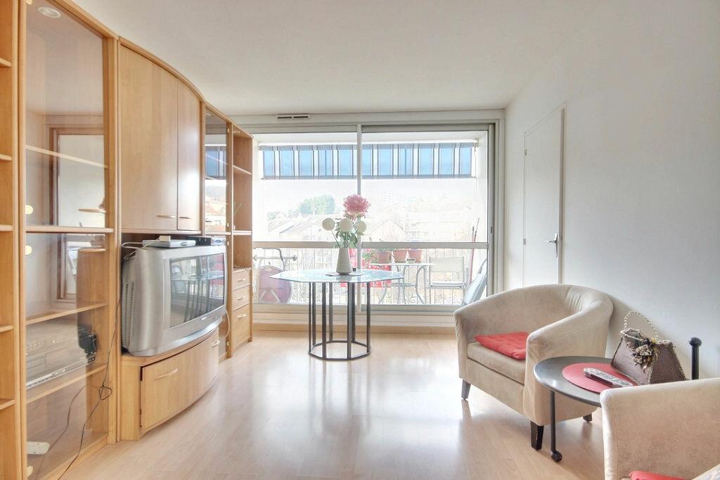 Achat Appartement 3 pièces à Chaville - vignette-1
