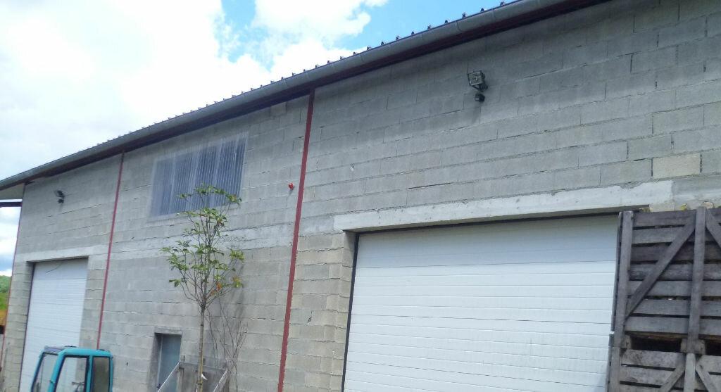 Location Entrepôt  à Chavot-Courcourt - vignette-1
