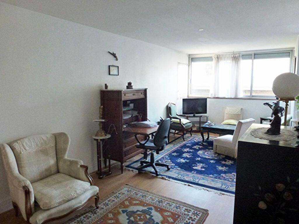 Achat Appartement 3 pièces à Bagnolet - vignette-2
