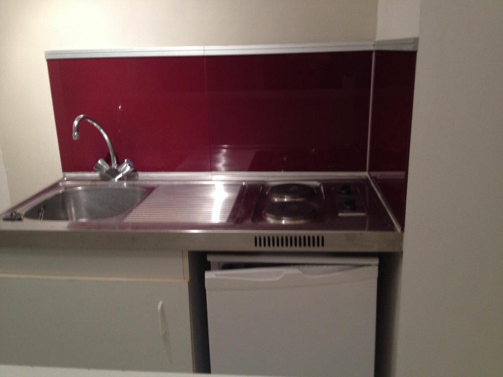 Location Appartement 1 pièce à Magny-le-Hongre - vignette-1