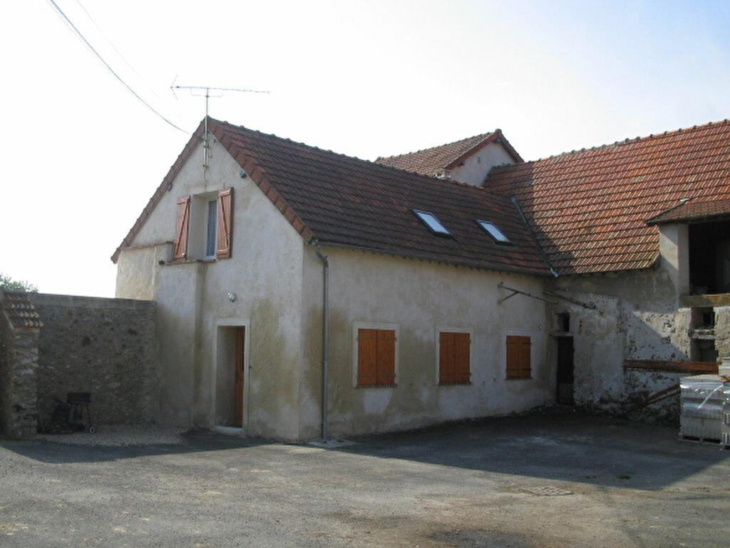 Location Maison 3 pièces à La Haute-Maison - vignette-1