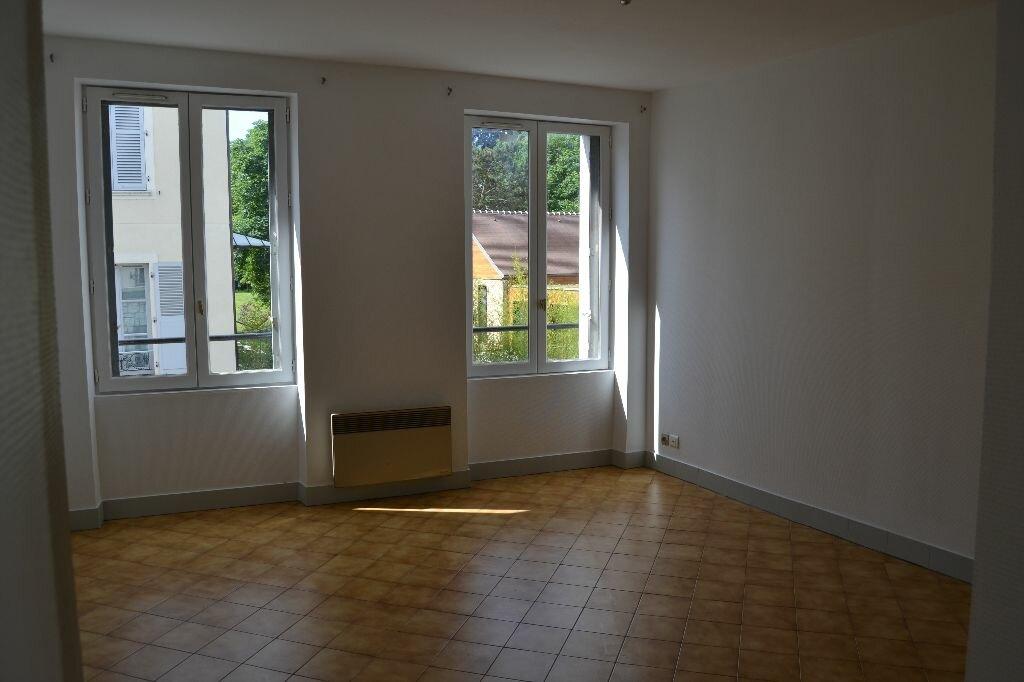 Achat Appartement 1 pièce à Couilly-Pont-aux-Dames - vignette-1