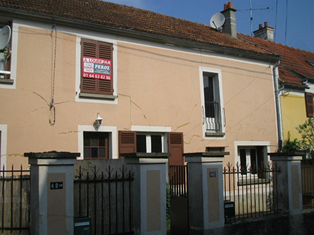 Location Maison 4 pièces à Villiers-sur-Morin - vignette-1