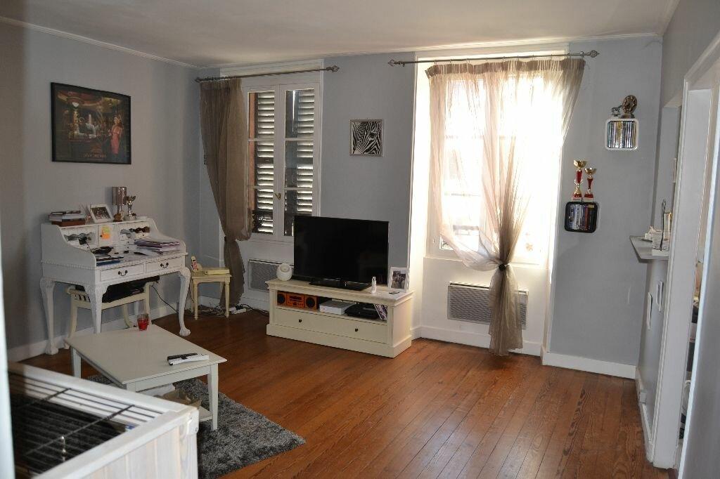 Achat Appartement 2 pièces à Couilly-Pont-aux-Dames - vignette-1