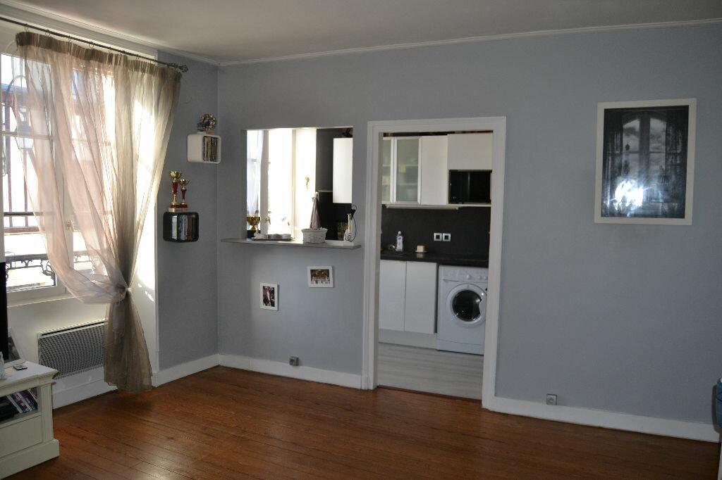 Achat Appartement 2 pièces à Couilly-Pont-aux-Dames - vignette-2