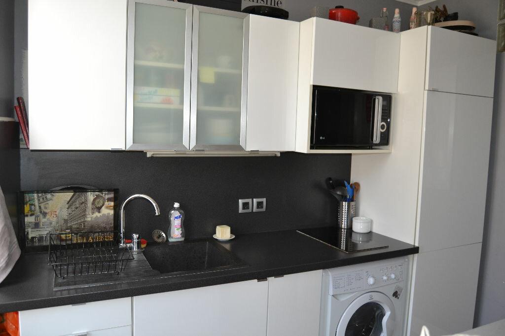 Achat Appartement 2 pièces à Couilly-Pont-aux-Dames - vignette-3