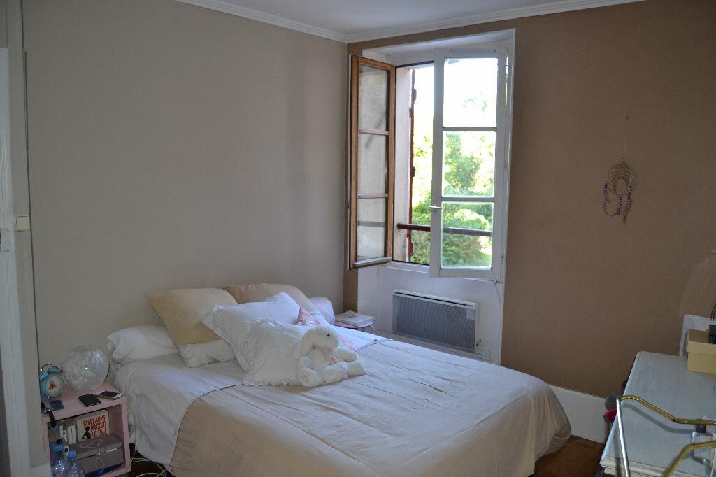 Achat Appartement 2 pièces à Couilly-Pont-aux-Dames - vignette-4