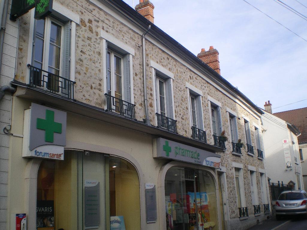 Location Appartement 3 pièces à Rebais - vignette-1