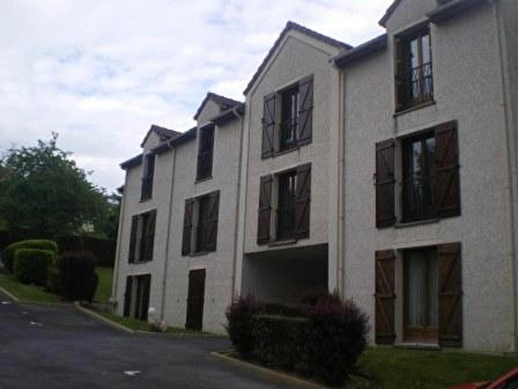 Location Appartement 1 pièce à Crécy-la-Chapelle - vignette-1