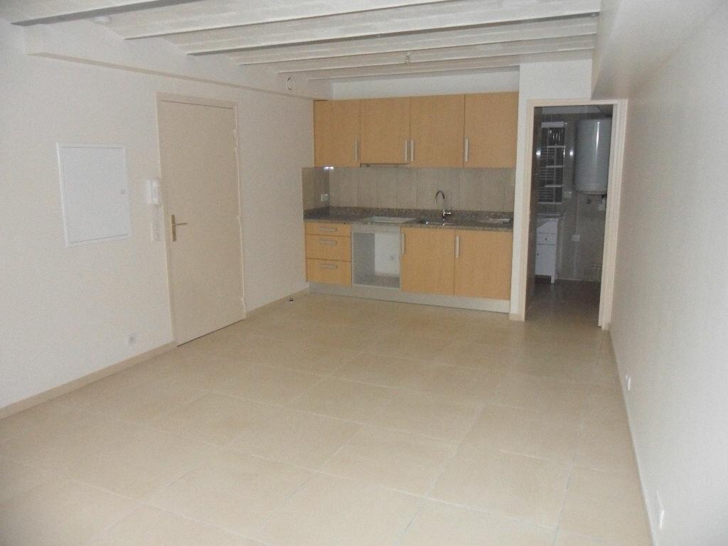 Location Appartement 1 pièce à La Ferté-sous-Jouarre - vignette-2