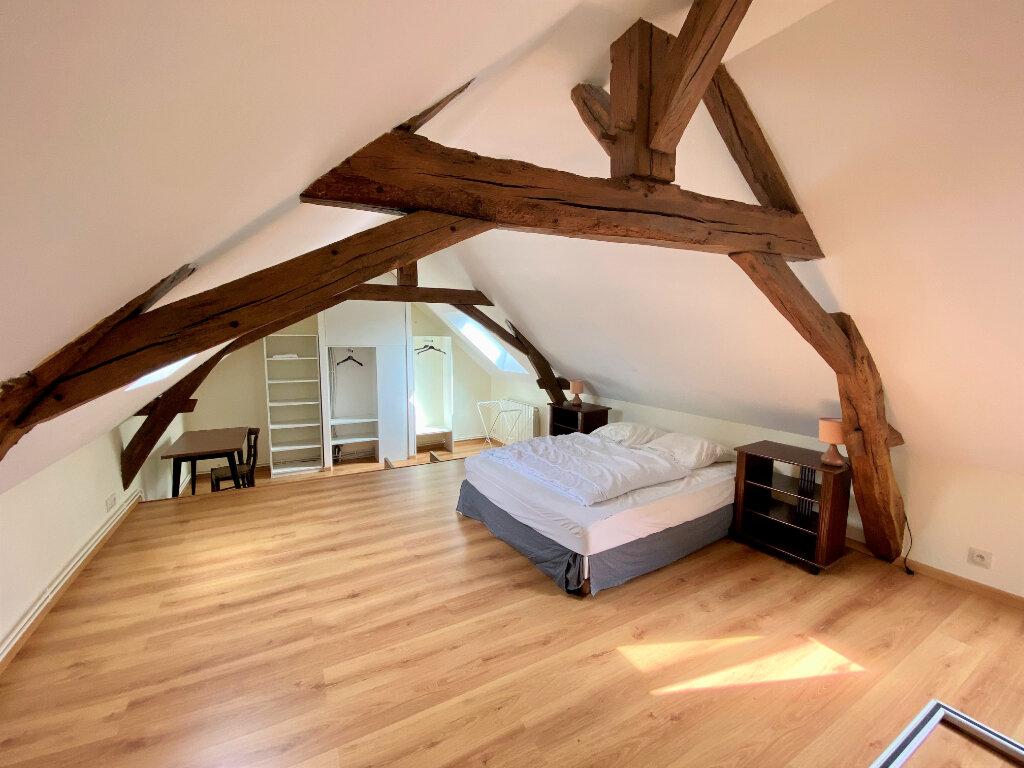 Location Appartement 1 pièce à Saint-Étienne-de-Chigny - vignette-1