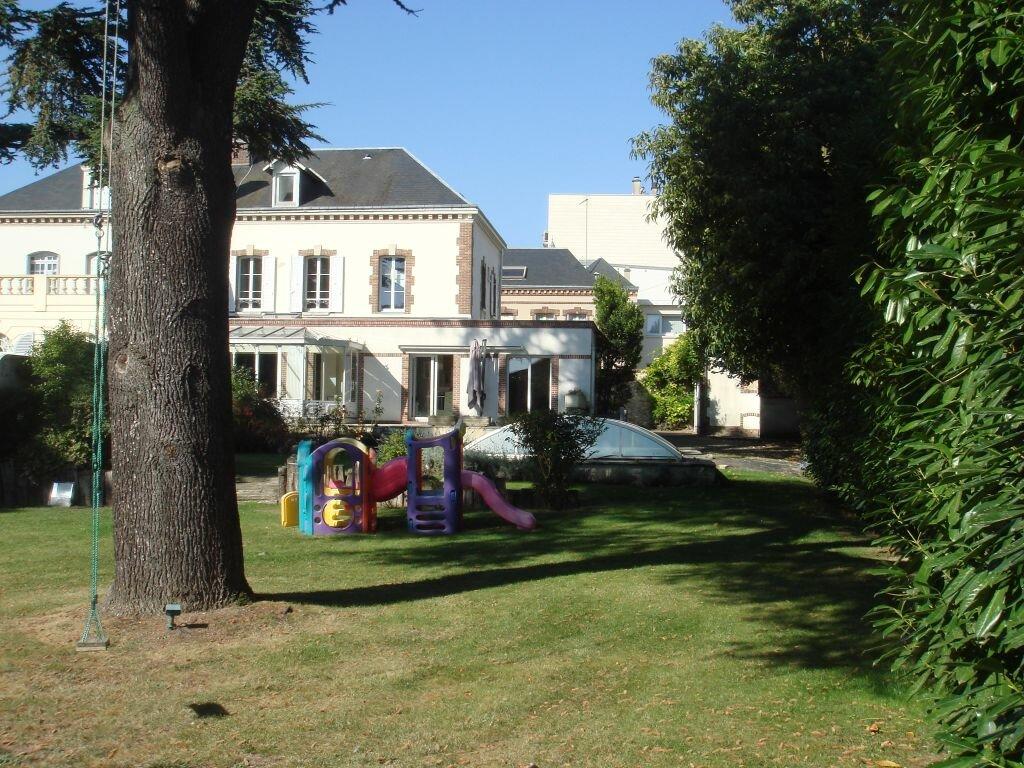 Achat Maison 11 pièces à Chartres - vignette-1