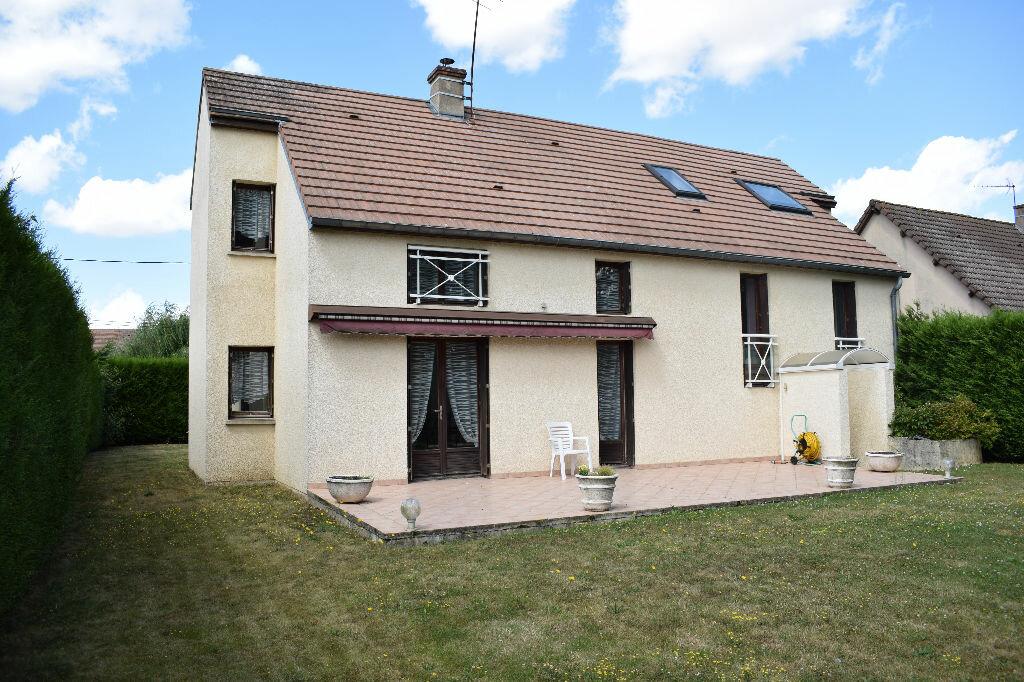 Achat Maison 7 pièces à Saint-Georges-sur-Eure - vignette-1