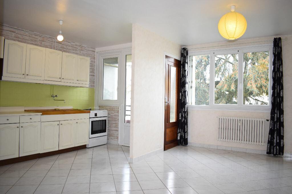Achat Appartement 3 pièces à Lucé - vignette-1