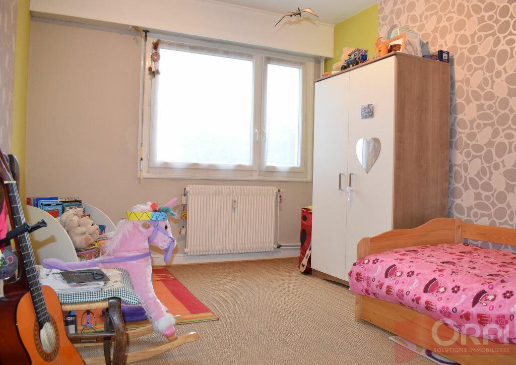 Achat Appartement 4 pièces à Luisant - vignette-4