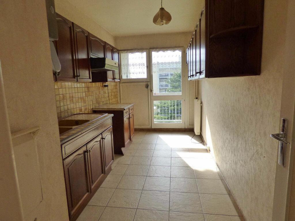 Achat Appartement 4 pièces à Verneuil-sur-Seine - vignette-4
