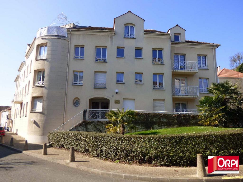 Location Appartement 2 pièces à Andrésy - vignette-1