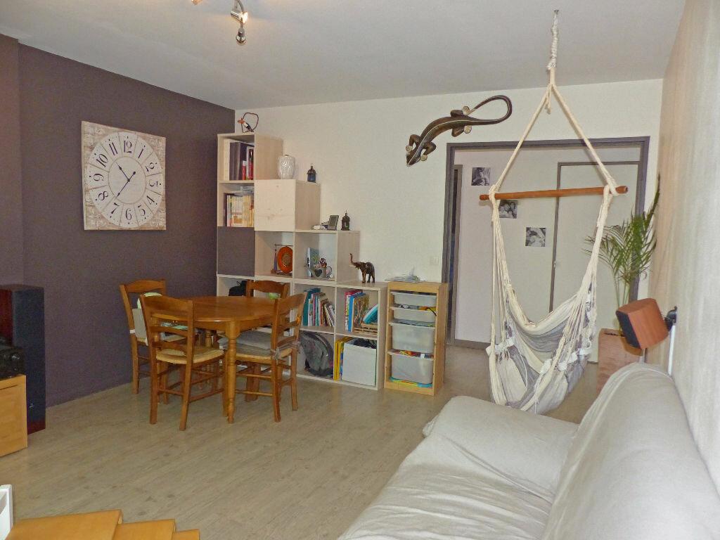 Achat Appartement 3 pièces à Verneuil-sur-Seine - vignette-2