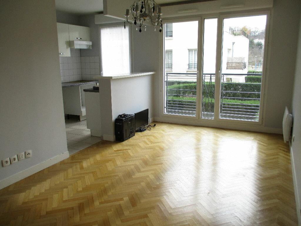 Achat Appartement 3 pièces à Saint-Cyr-l'École - vignette-1