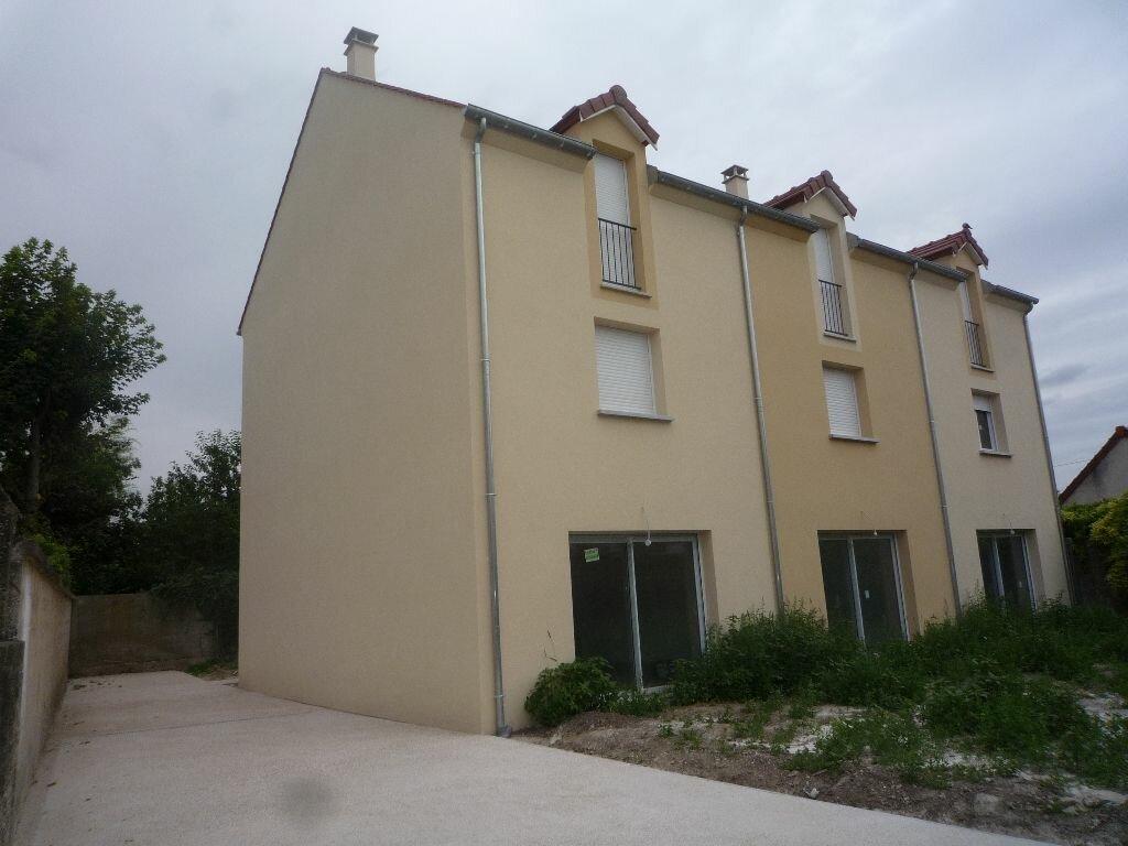 Achat Maison 5 pièces à Isles-lès-Villenoy - vignette-2