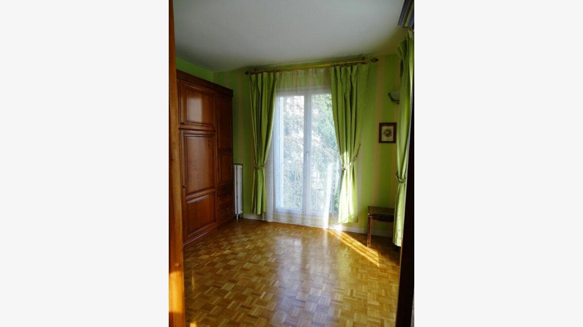 Location Appartement 3 pièces à Montrouge - vignette-1