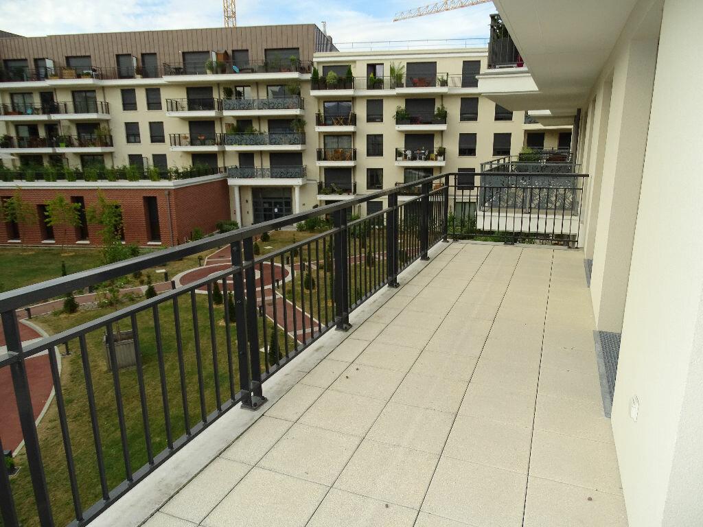 Location Appartement 4 pièces à Montrouge - vignette-1