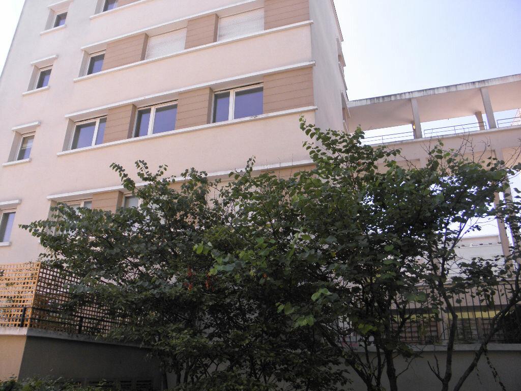 Achat Appartement 2 pièces à Châtenay-Malabry - vignette-4