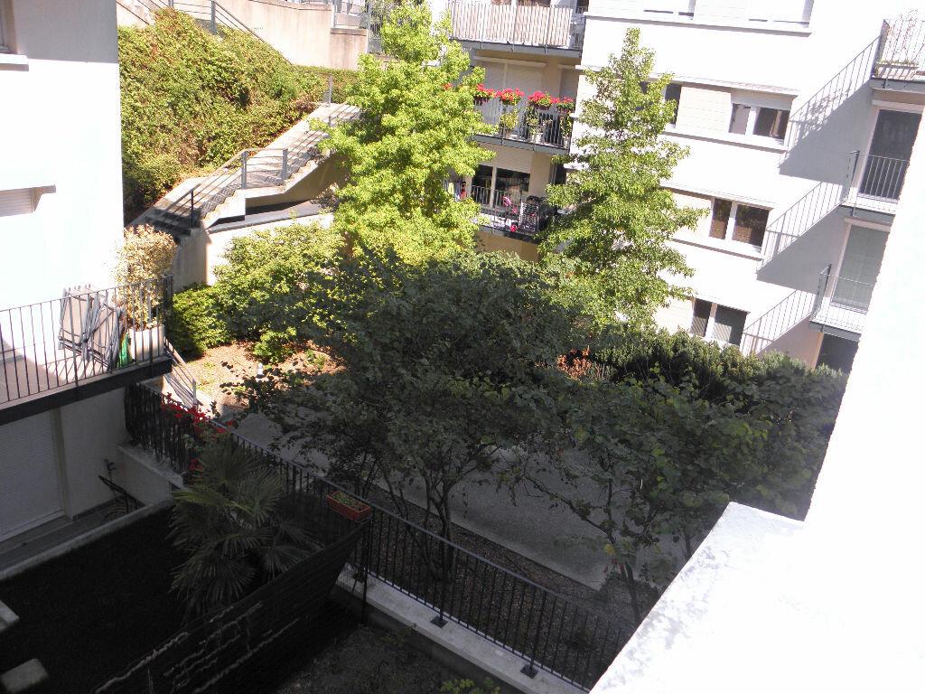 Achat Appartement 2 pièces à Châtenay-Malabry - vignette-5
