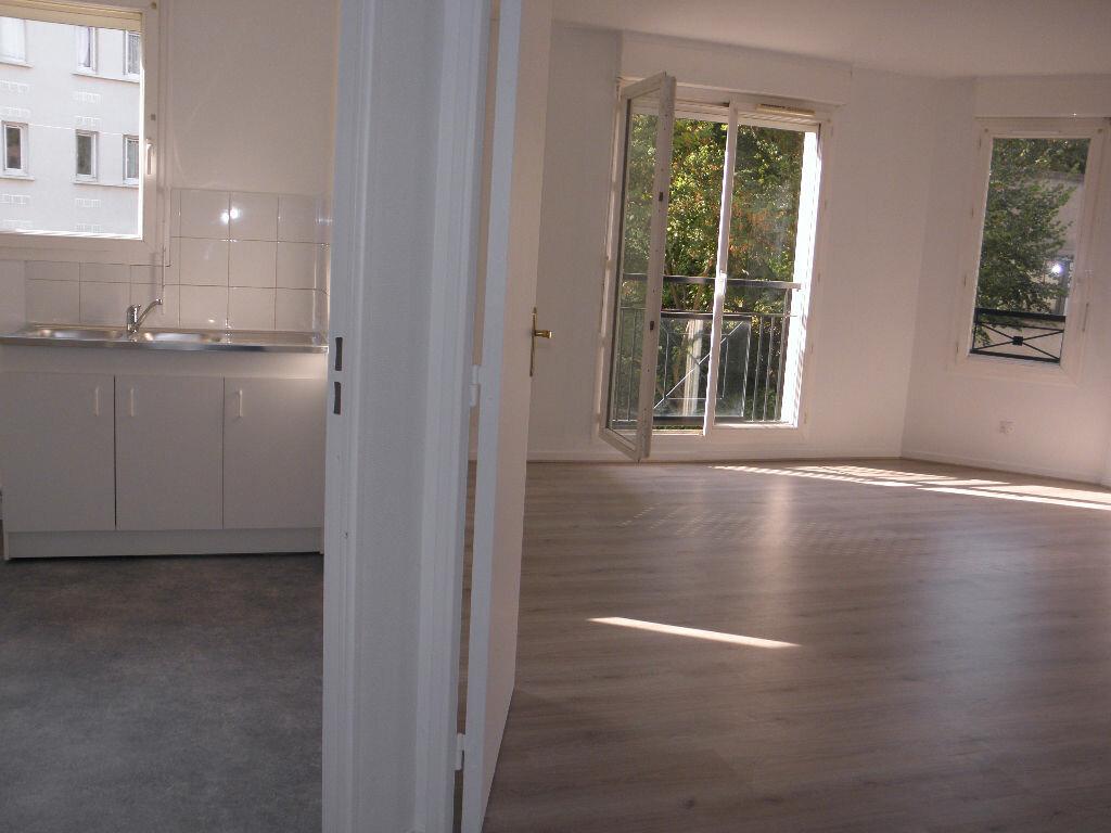 Achat Appartement 4 pièces à Châtenay-Malabry - vignette-1